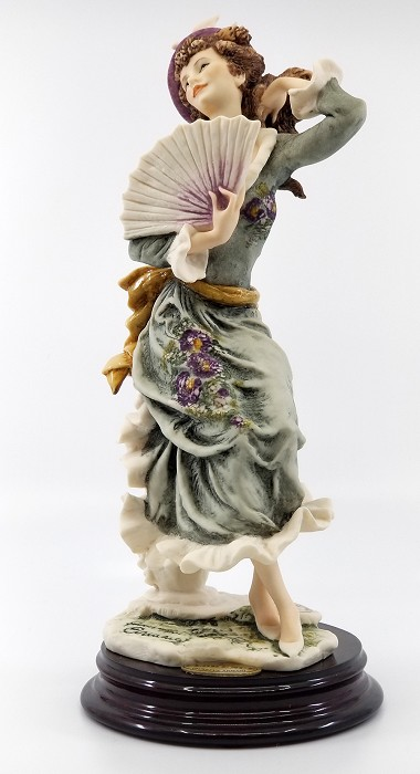 Giuseppe Armani Violet '98  Figurine Of The Year