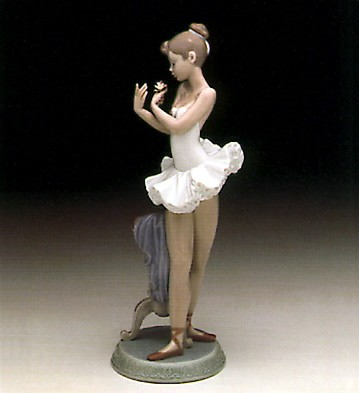 Lladro Perfect Performance Porcelain Figurine