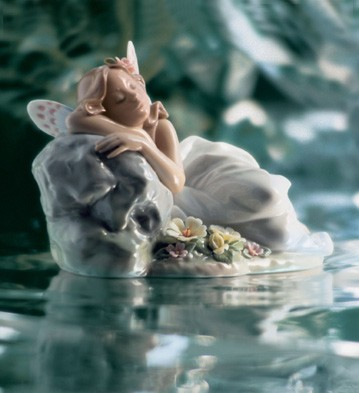 Lladro Princess Of Elves 2002 Privilege Porcelain Figurine