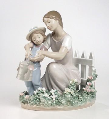 Lladro Lessons In The Garden Porcelain Figurine