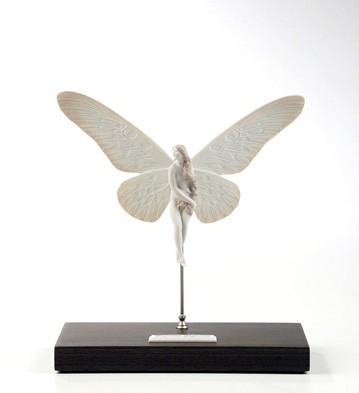 LladroPapilio GigantePorcelain Figurine