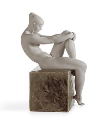 LladroEssence Of Woman IPorcelain Figurine