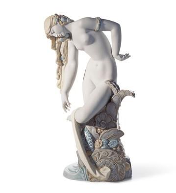 LladroPure BeautyPorcelain Figurine