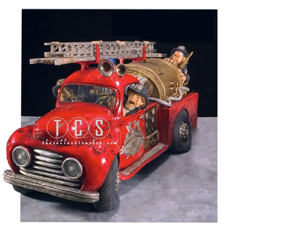 Guillermo Forchino Firetruck (fireman) 1/2 Scale