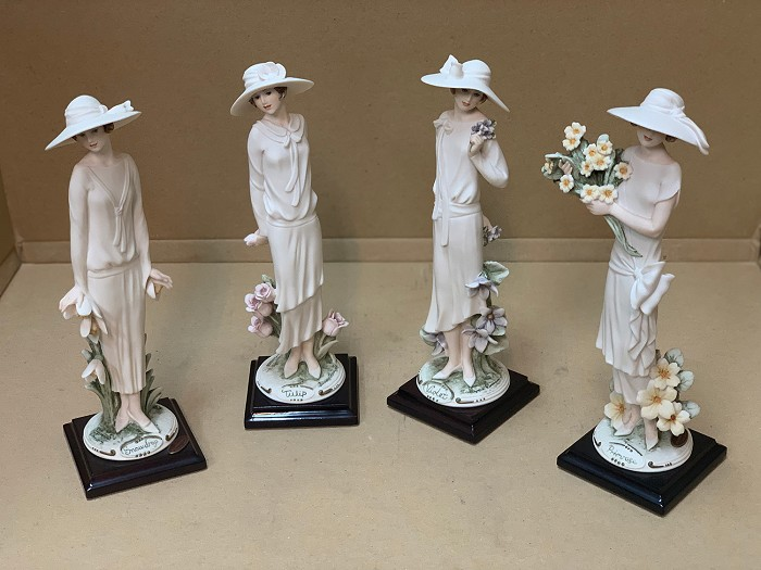 Giuseppe ArmaniLadies And Flowers Set