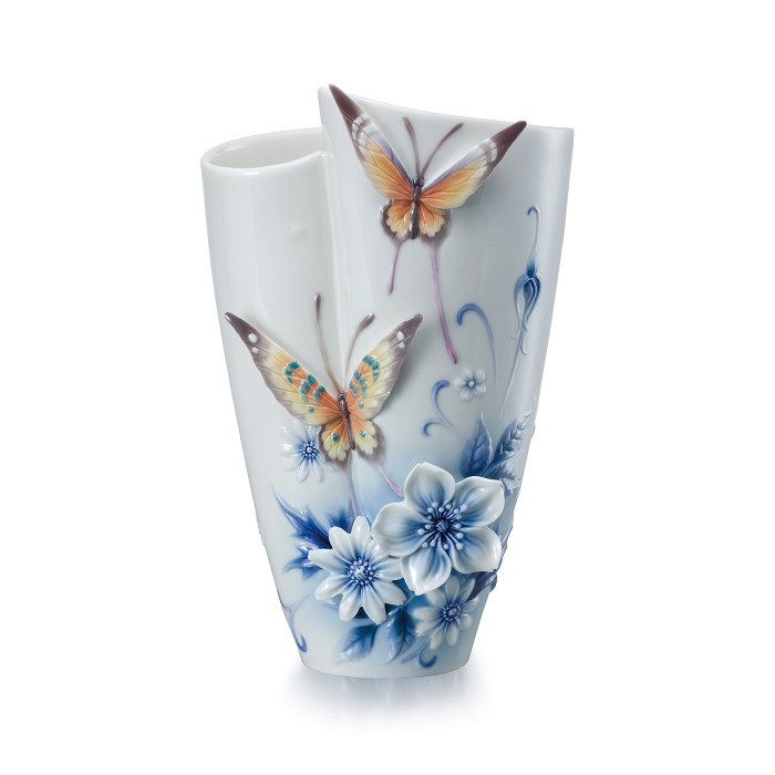 Franz PorcelainEternal Love small vaseFine Porcelain