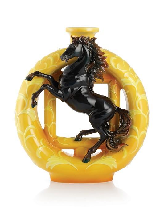 Franz PorcelainVase, Victorious black horseFine Porcelain
