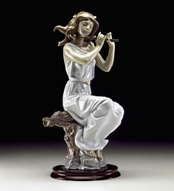 Lladro Graceful Tune Porcelain Figurine