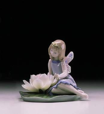 Lladro Lilly Pad Love Porcelain Figurine