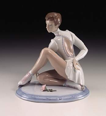 Lladro Elegant On Ice
