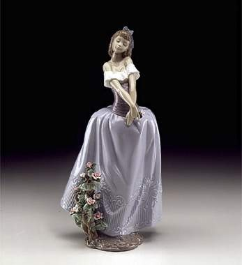 Lladro Lady In Love
