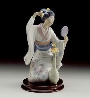 LladroMirror, Mirror...Porcelain Figurine
