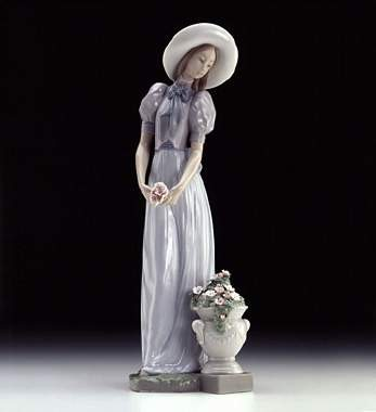 Lladro Blossom Of The Heart Porcelain Figurine
