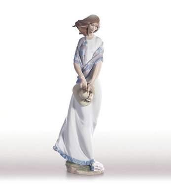 LladroRomanticaPorcelain Figurine