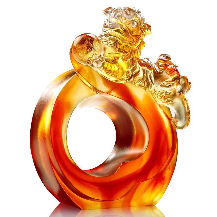 Liuli Crystal Frolicking Lion Welcomes Auspiciousness
