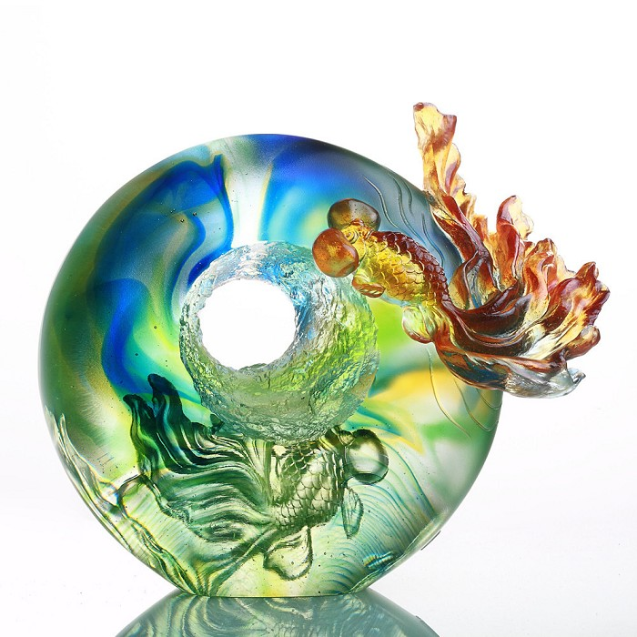 Liuli CrystalHandcraft Crystal Fish Figurine - Happiness Comes with Ascending Qi