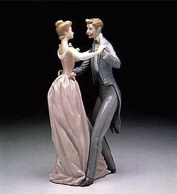 LladroAnniversary DancePorcelain Figurine