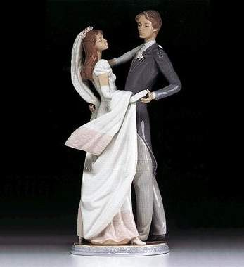 Lladro I Love Truly Porcelain Figurine