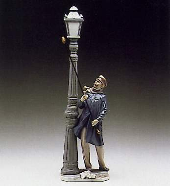 Lladro Lamplighter