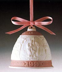 LladroChristmas Bell 1996Porcelain Figurine