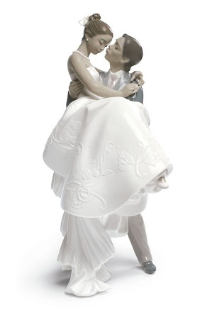 Lladro Black Legacy - THE HAPPIEST DAY (BLACK)