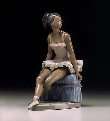 Beautiful Ballerina by Lladro Image is watermarked for copyright protection and is not present on the actual art work.