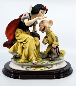 Giuseppe Armani Snow White Kissing  Dopey Ltd Ed 1500