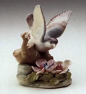 Lladro-Fluttering Nightingale