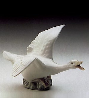 Lladro-Duck Flying