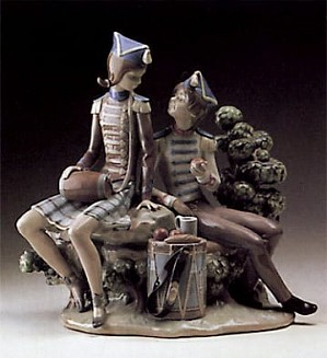 Lladro-Vivandiere and Soldier