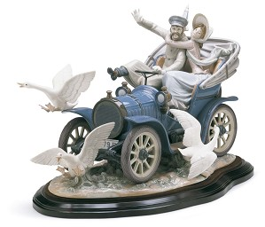 Lladro-CAR IN TROUBLE