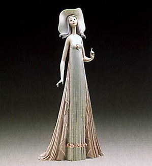Lladro-The Debutante