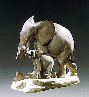 Lladro-Maternal Elephant