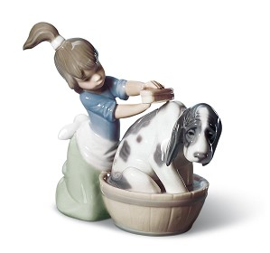 Lladro-BASHFUL BATHER
