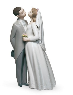 Lladro-A Kiss to Remember