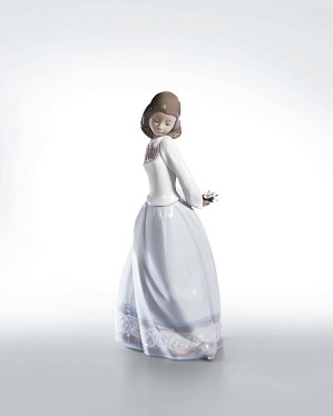 Lladro-Sweet and Shy