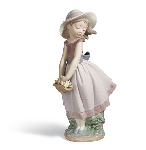 Lladro-PRETTY INNOCENCE