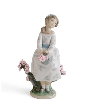 Lladro-A WALK THROUGH BLOSSOMS