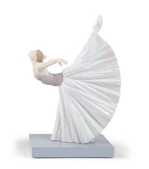 Lladro-Giselle Arabesque Ballet
