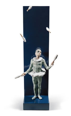 Lladro-JUGGLER WITH CLUBS