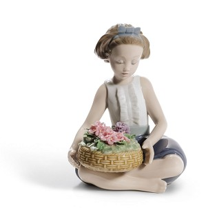 Lladro-Arranging Flowers