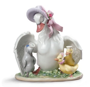 Lladro-THE UGLY DUCKLING