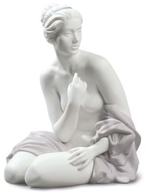 Lladro-SITTING BATHER