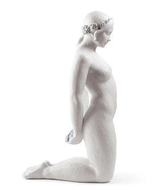 Lladro-BEAUTIFUL INNOCENCE