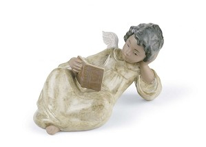 Lladro-Devoted Reader