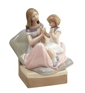 Nao Porcelain-PAT A CAKE