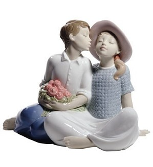 Nao Porcelain-STEALING A KISS