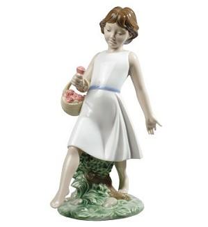 Nao Porcelain-BAREFOOT STROLL