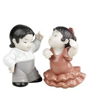 Nao Porcelain-PETITE FLAMENCO