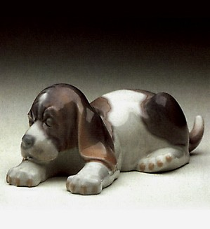 Lladro-Beagle Puppy Lying 1969-91